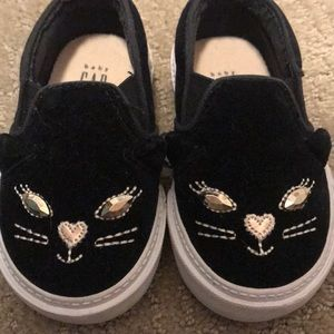 Gap kitty slip on shoe
